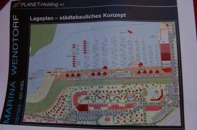 Am im April vorgestellten Gestaltungskonzept hat sich kaum etwas geändert, so Wendtorfs Bürgermeister Otto Steffen. Der Beschluss über den Planentwurf steht aber noch aus. Foto: Schmidt